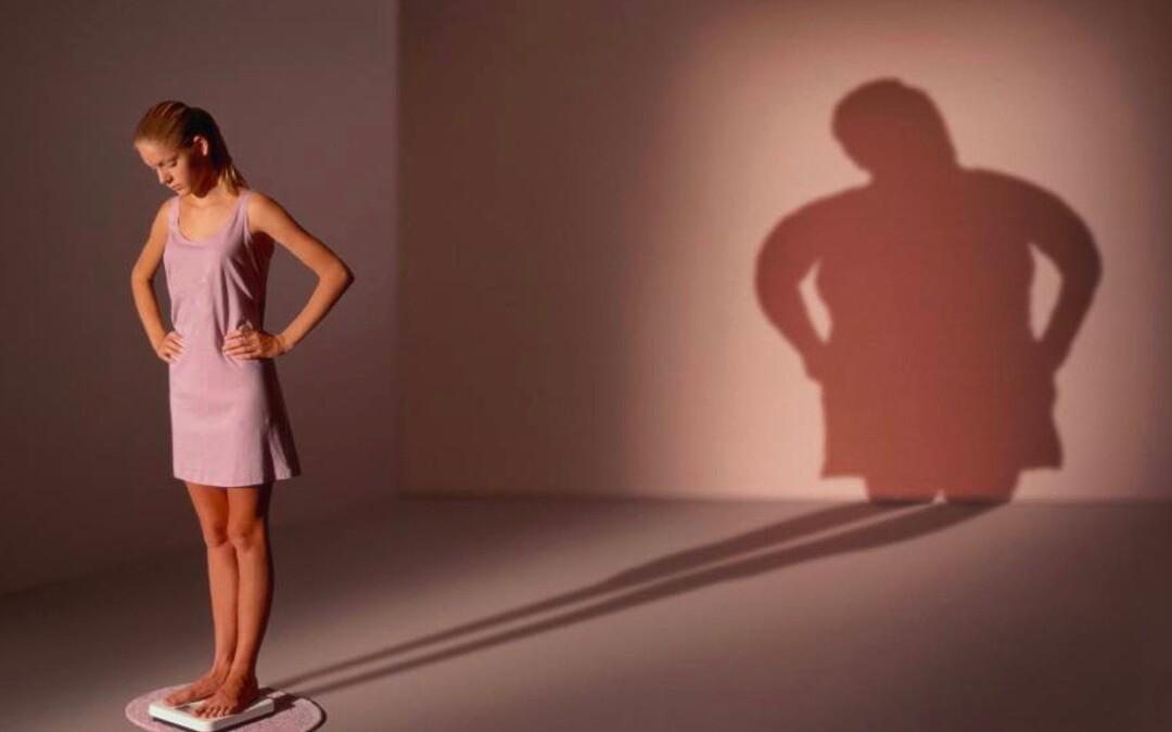 Anoressia Adolescenziale Femminile: Condizione biologica, cause e trattamento psicologico e nutrizionale
